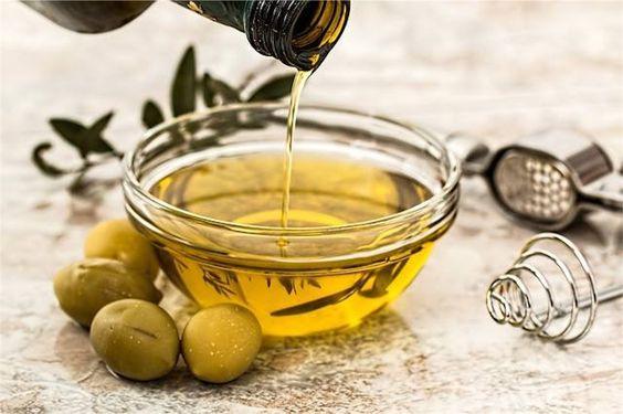 オリーブオイルってダイエットになるの?不飽和脂肪酸のダイエット効果などを暴露!オリーブオイルの効果効能とは