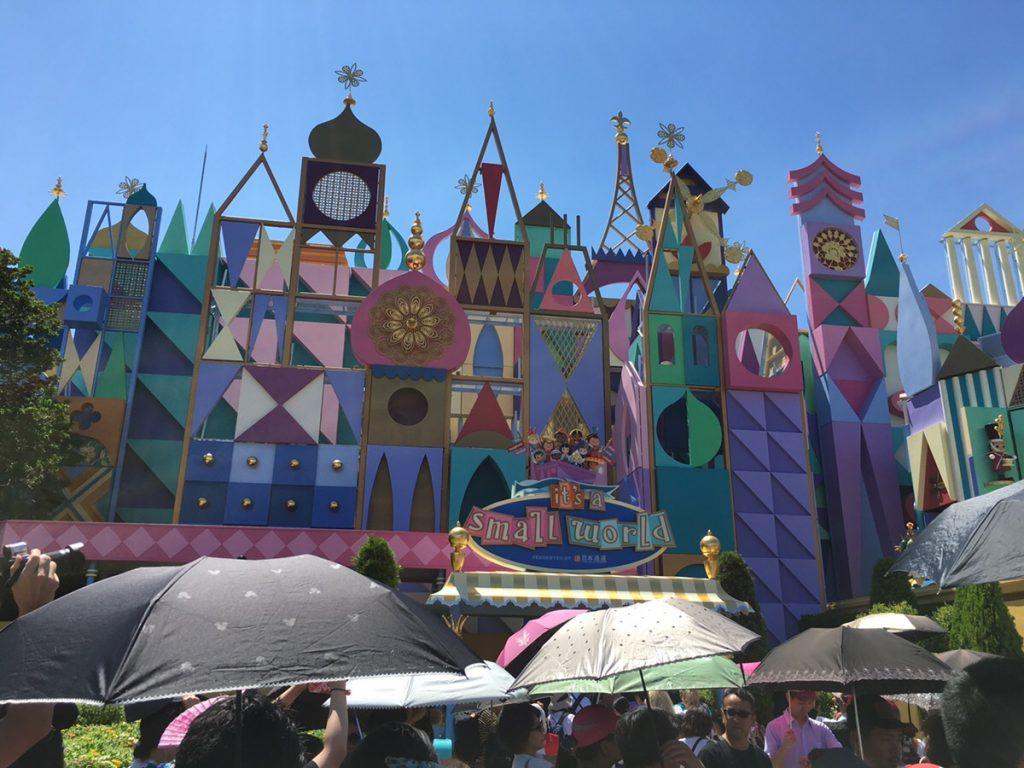 東京ディズニーランドの夏やハロウィンを楽しもう!ディズニーシーなど